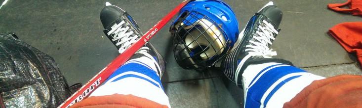 научиться играть в хоккей